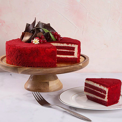 4 Portions Red Velvet Cake: Anniversary Cakes to Abu Dhabi