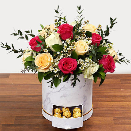 Beautiful Mixed Roses Arrangement: Flowers Delivery Fujairah
