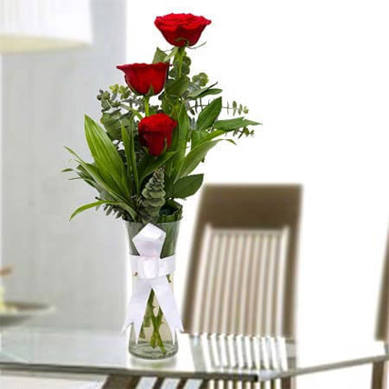 Beauty of Rose: Friendship Day Flowers to Ajman