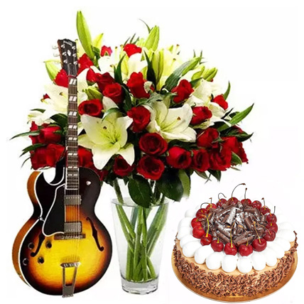 Charm Your Lady Love: Valentines Flowers & Guitarist Service