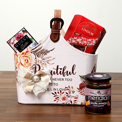Chocolates With Designer Ladies Bag: Valentines Day Gift Hampers