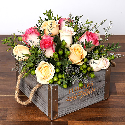 Dreamy Arrangement Of Roses in a Box: Flower Delivery
