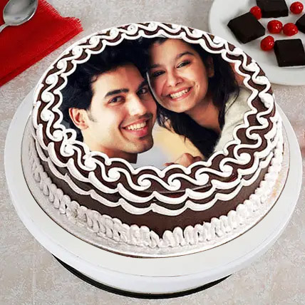 Personalized Cake of Love: Photo Cakes
