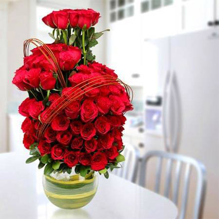 Romantic Arrangement: Premium Flowers