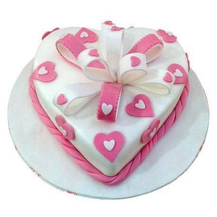Soft Plush: Designer Cakes for Anniversary