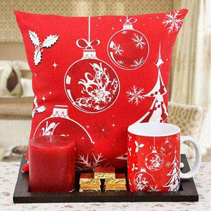 Red On Plate: Christmas Home Decor Items
