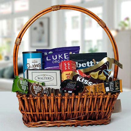 Small Basket Chocolate Wonder: Holi Gifts