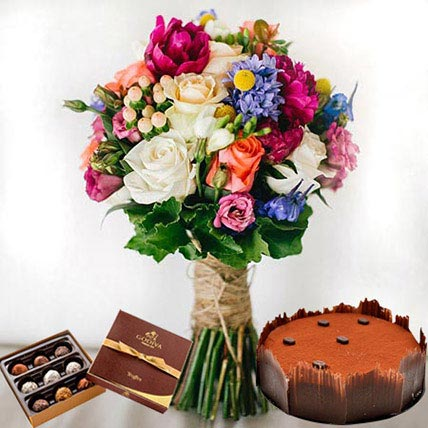 Lavish Combo: New Year Flowers & Cakes