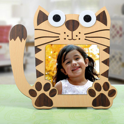 Cat Shaped Personalized Frame: Personalised Photo Frames