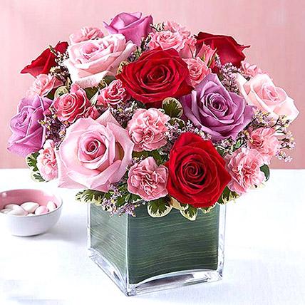 Bright Roses Vase: Flower Delivery In Ajman