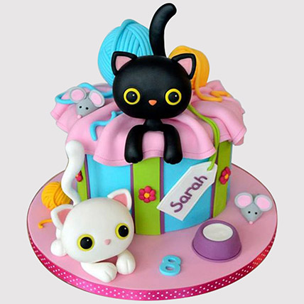 Playing Cats Cake: Butterfly Cakes
