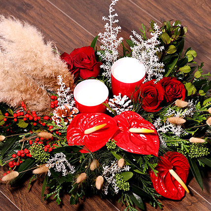 Xmas Special Center Table Flowers: Christmas Flowers Delivery in Sharjah
