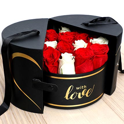 Luxurious Box Of Roses: Valentines Day Gifts for Boyfriend