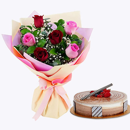 Gorgeous Roses Bouquet With Triple Chocolate Cake: Christmas Gifts for Boyfriend