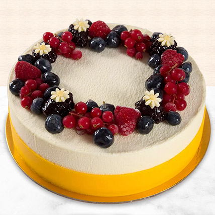 Yummy Vanilla Berry Delight Cake: Cakes Delivery in Dubai