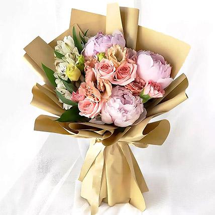 Pink Elegance Bouquet: Premium Flowers