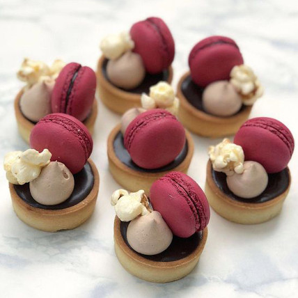 Chocolate Macaroon Mini Tarts Set of 6: Tarts