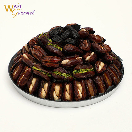 A Plate Of Majdool Dates with Dry Nuts Filling 1.535kg: Dates