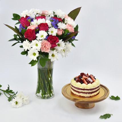 1 Kg red Velvet Cake Combo: