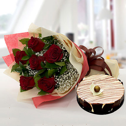 Enchanting Rose Bouquet With Marble Cake QT: Flower and Cakes Delivery in Qatar
