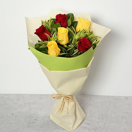 Red and Yellow Roses Bouquet QT: Gift Delivery in Qatar