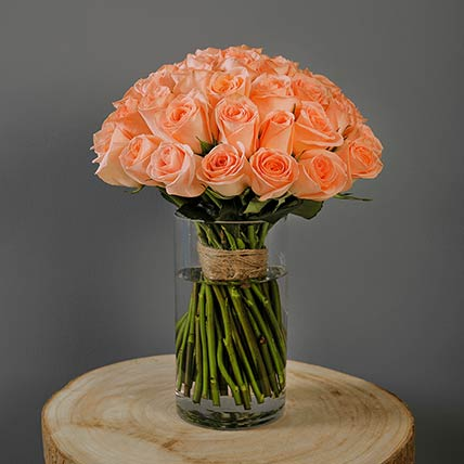 Peach Roses Bunch In Vase: Gift Delivery in Qatar