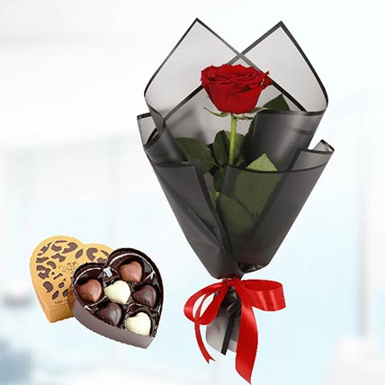 Red Rose Black Wrap & Godiva Chocolates: Send Chocolates To Qatar
