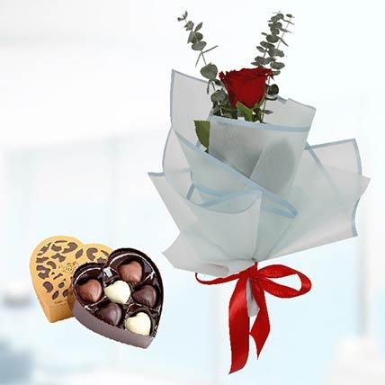 Red Rose Blue Wrap & Godiva Chocolates: Send Flowers N Chocolates to Qatar