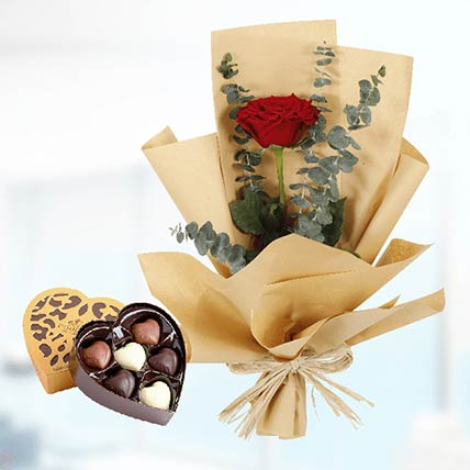 Red Rose Paper Wrap & Godiva Chocolates: Gift Delivery in Qatar