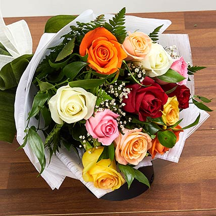 12 Mixed Color Roses Bouquet: Gifts To Buraydah