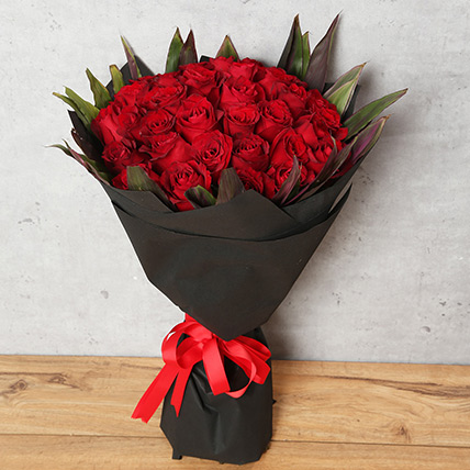 50 Red Roses Bouquet With Black Wrapping: Flowers To Dhahran
