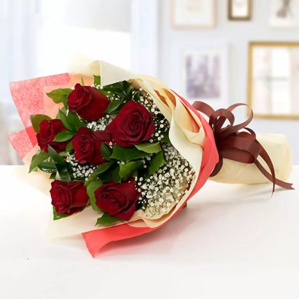 Beauty of Love Roses Bouquet: Valentines Day Gifts to Saudi Arabia