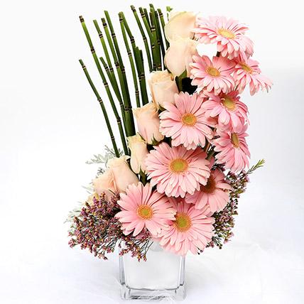 Heartfelt Mixed Roses and Gerbera Arrangement SG: Flower Delivery Singapore