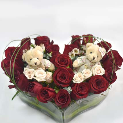 Heres My Heart Flower Box: Send Valentines Day Gifts to Singapore