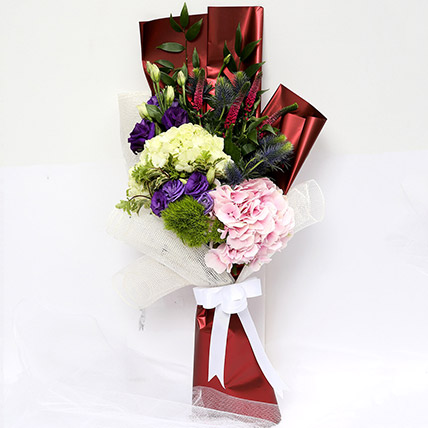 Wondrous Eryngium and Hydrangea Bouquet SG: Flower Delivery Singapore