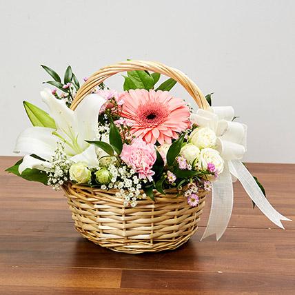 basket-arrangement-of-gorgeous-flowers_1.jpg (428×428)